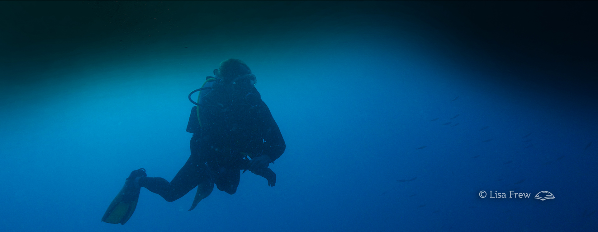 Image of diver on PADI deep diver specialty course